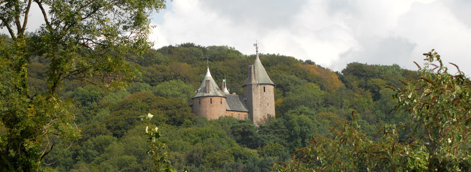 Photographs and Article about Castell Coch | We show you some of ...